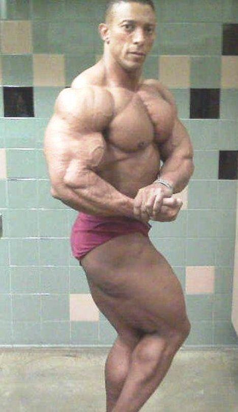Campeones fisicoculturistas, Troy Alves