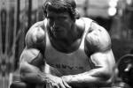 Trucos Pro, elevaciones laterales con Arnold Schwarzenegger