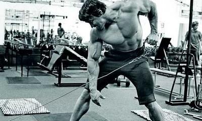 Trucos Pro: Remo a un brazo por Schwarzenegger