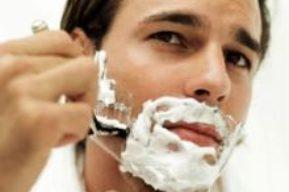 Después de afeitar, ¿bálsamo o loción?