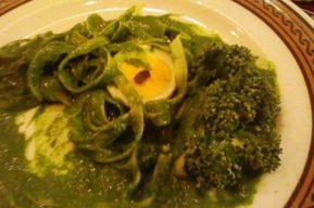 Para los fans de las pastas: Tallarines con salsa verde
