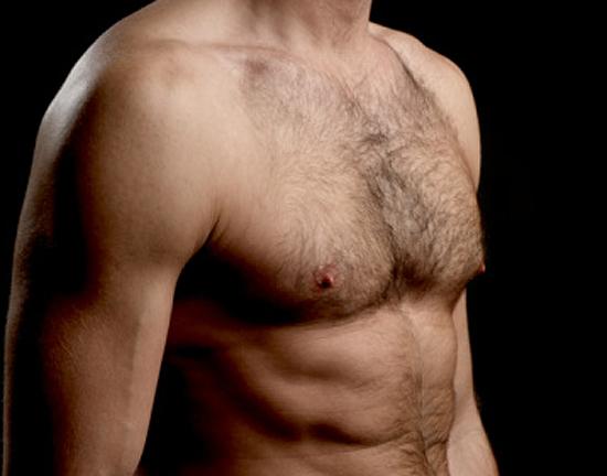 Torso depilado y vello corporal