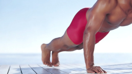 Desarrollar los pectorales a base de flexiones