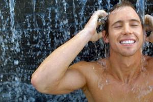 Cuidados corporales Clarins Men para la hidratación corporal 1