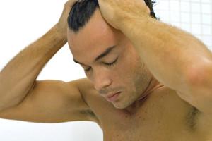 El implante capilar: una técnica eficaz y estética para hombres 1