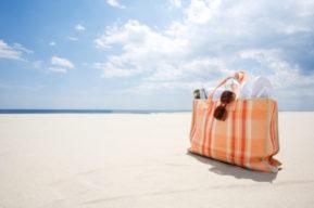 Tips para bañarse en la playa con seguridad