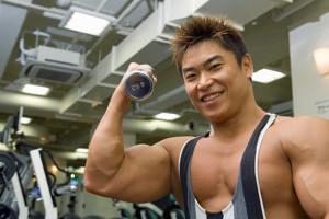 bodybuilder en gimnasio