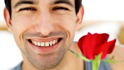 hombre sonriendo