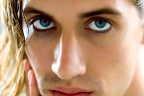 Maquillaje de ojos para hombres