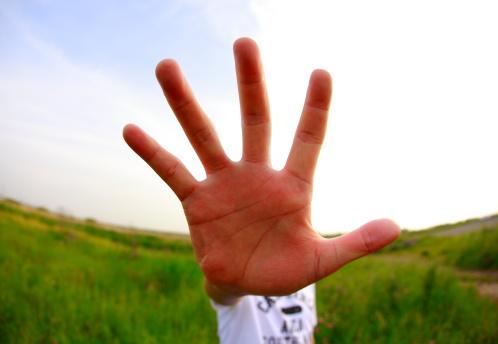 lesión de capsulitis de dedos
