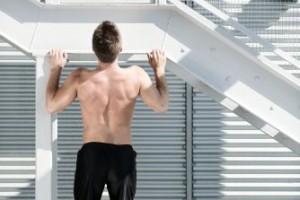 Ensanchar la espalda: ejercicios básicos para el dorsal 1