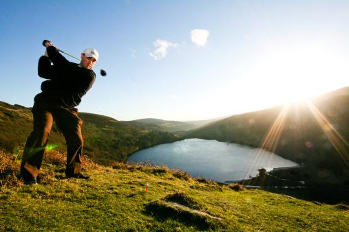 Jugar a golf con viento es posible