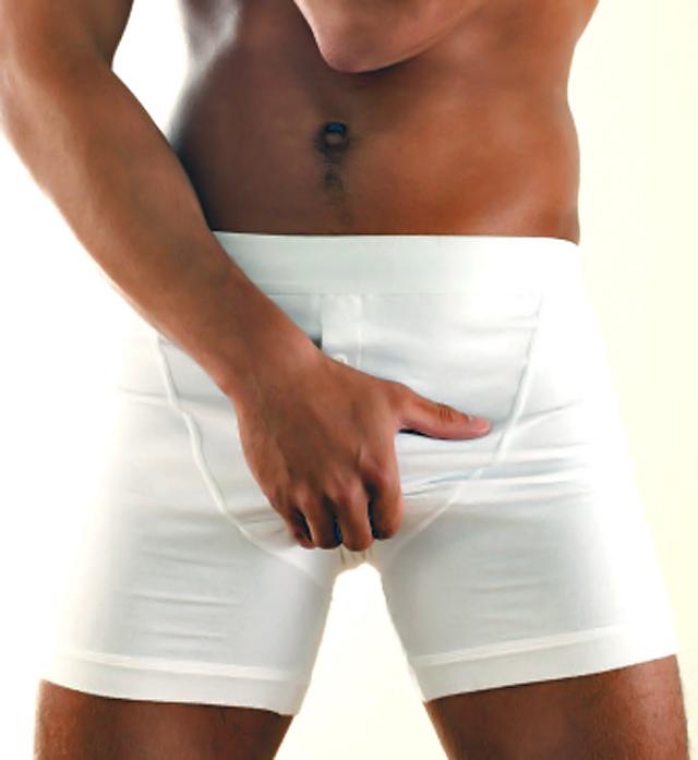 hombre en boxers