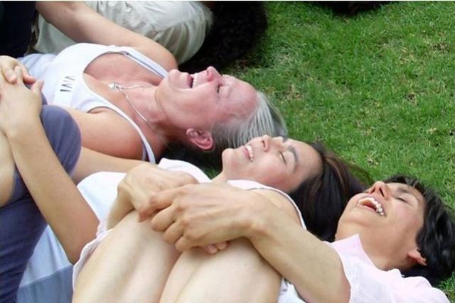 Yoga de la risa contra el estrés