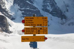 Señales y marcas en la montaña
