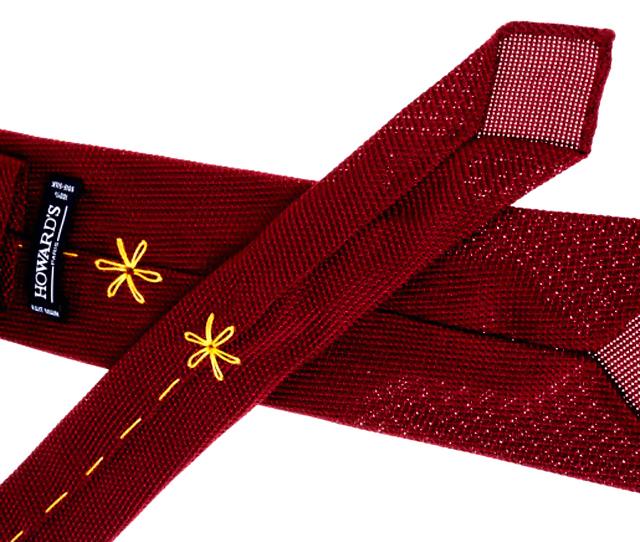 Howard's, la corbata de los 7 pliegues