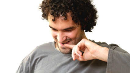 Trucos para peinar un cabello rizado