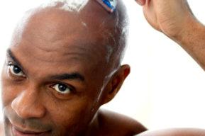 Las etapas para un perfecto rasurado de la cabeza