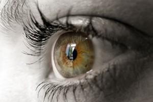 Cuidados y consejos para personas que usan lentillas