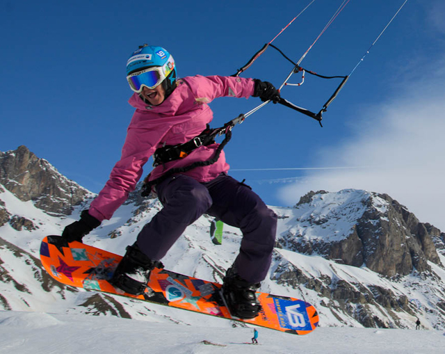 El splitboard y el snowkite, dos deportes de riesgo apasionantes