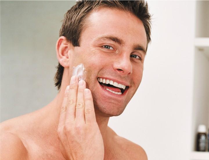 La exfoliación, cuidado cosmético básico para hombres