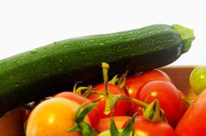 Tomates y pepinos para una salud de hierro