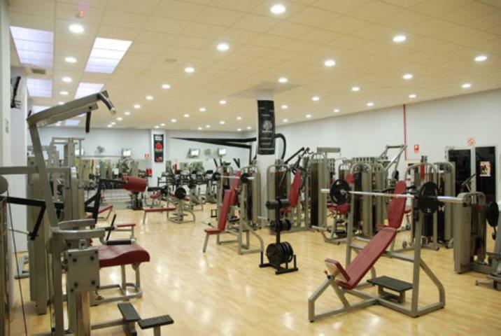 ejercicios con maquinas musculacion