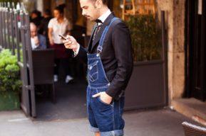 El pantalón de peto, una prenda para hombres que está de moda otra vez