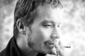 Consejos para eliminar el olor a tabaco en el cuidado del cabello