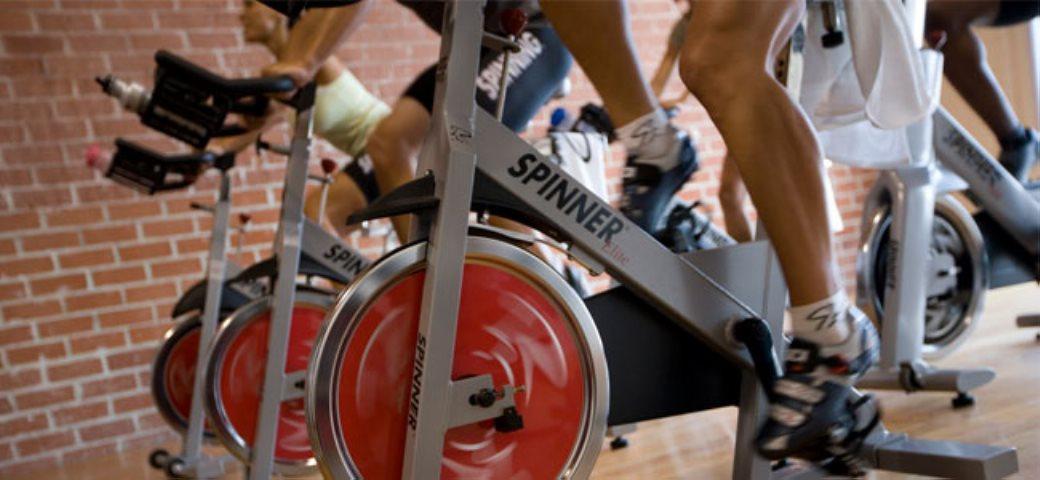 Spinning y los ejercicios rítmicos de pedaleo - Punto Fape