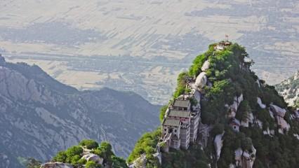 Conoce la Hua Shan la ruta de montaña más peligrosa del mundo