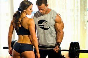 ¿Necesitan hombres y mujeres un plan de musculación diferente?