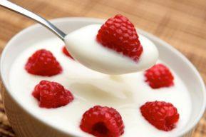 Yogur, beneficios de este lácteo rico en nutrientes