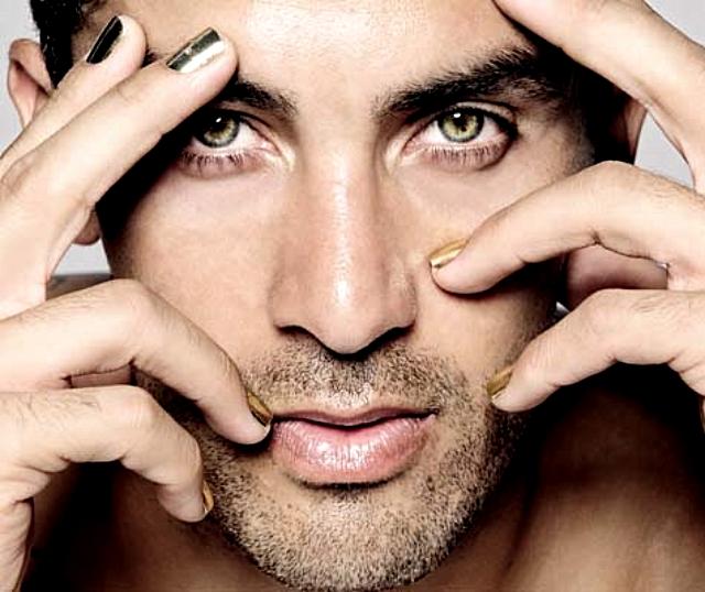 Esmalte de uñas para hombres, la nueva tendencia - Punto Fape