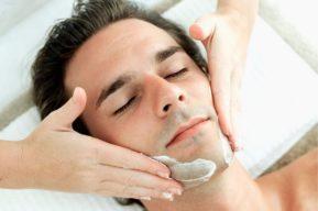 Peeling facial para hombres
