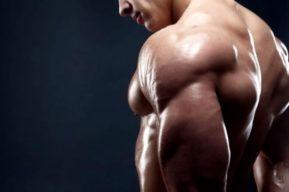 Kickback para trabajar los músculos de los tríceps