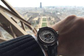 Un reloj fabricado con auténtico acero de la Torre Eiffel