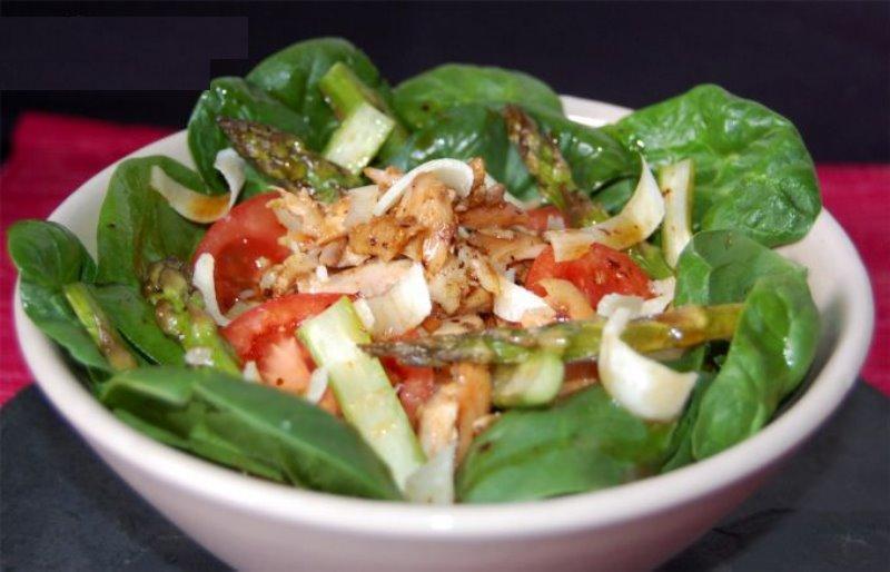 Receta de verano: Ensalada de pollo y espárragos 1