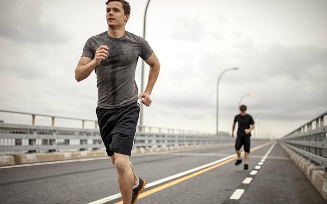 El mejor tipo de ropa interior para hacer deporte punto fape for Ropa interior para correr