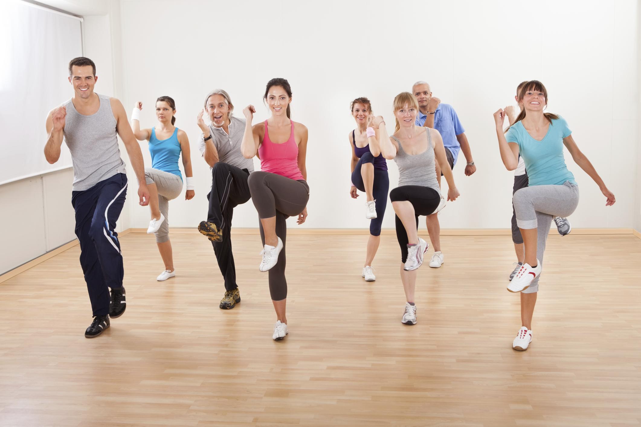 Ejercicios aeróbicos de bajo impacto tonifican tus músculos