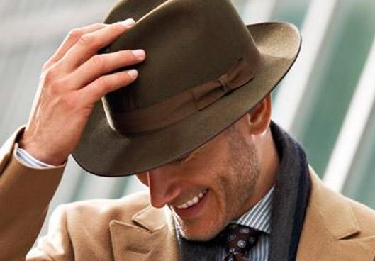 Complementos de moda masculinos imprescindibles