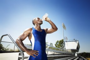 Qué es la hiponatremia, cómo afecta a los deportistas y cómo prevenirla