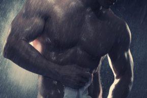 Razones para darse con frecuencia una ducha fría