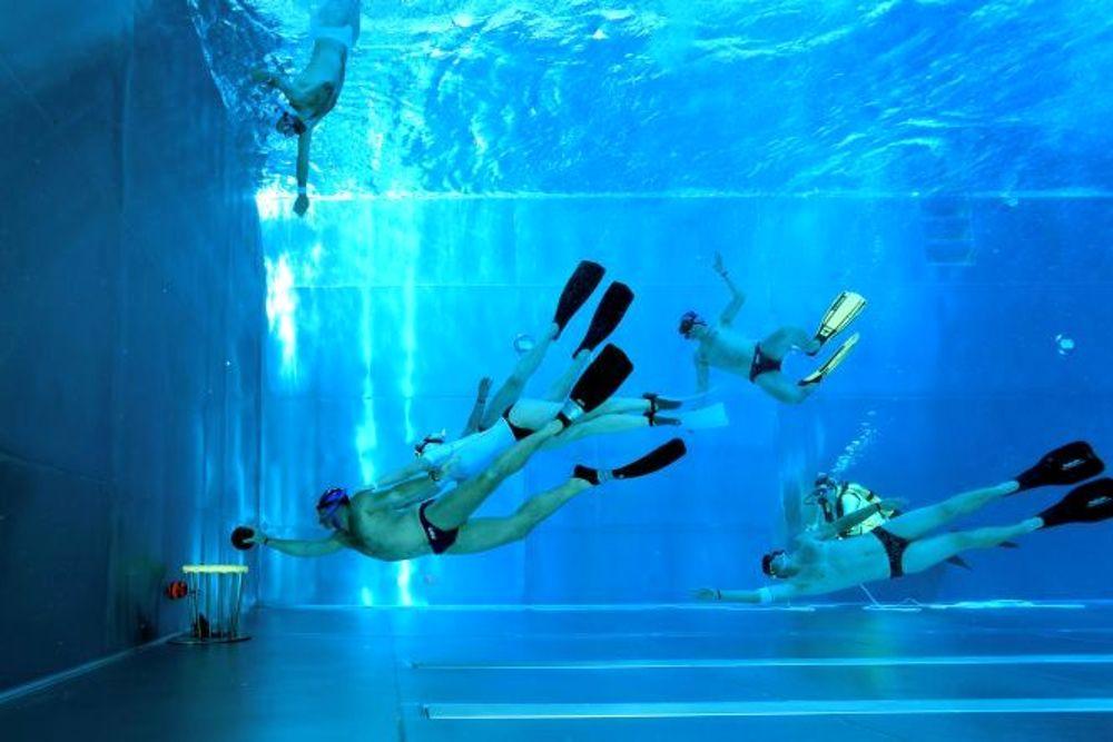 Rugby subacuático, velocidad, resistencia y fuerza 1