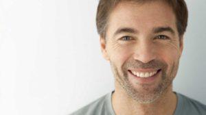 Qué es la gingivitis, cuáles son sus causas y cómo tratarla