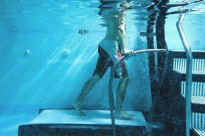 Los mejores movimientos de aquagym para perder peso