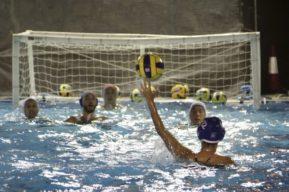 Deportes acuáticos que puedes practicar en la piscina