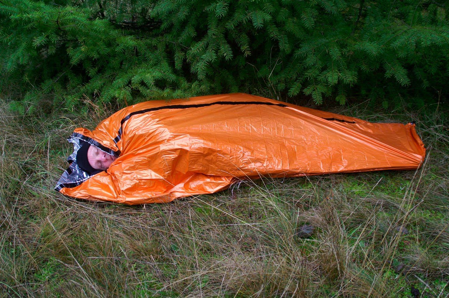 Deportes de montaña: Uso de la manta térmica 2