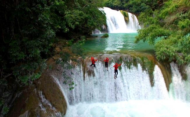 Saltos en cascadas de México 1