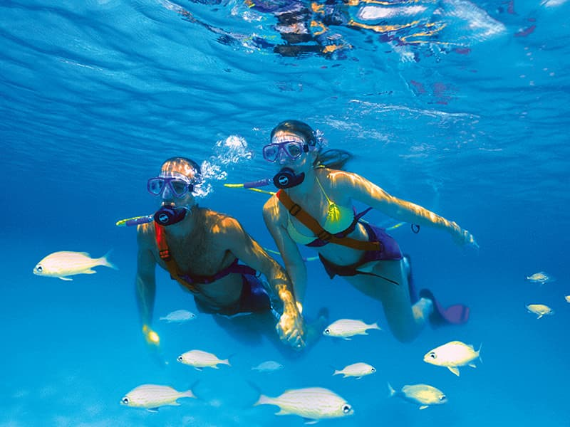 Snuba diving, una combinación de submarinismo y snorkel 1